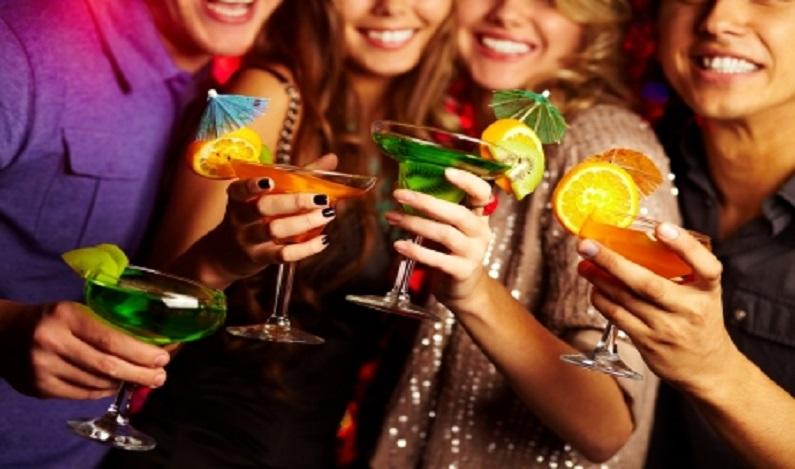 Promotor pede proibição de bebidas alcoólicas em festa de colégio evangélico