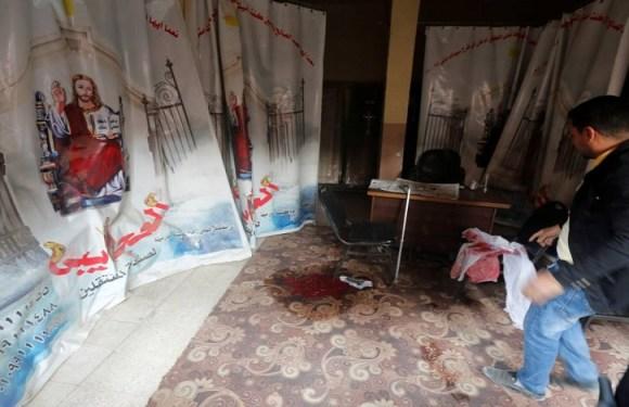 Ataque a igreja copta no Egito deixa dez mortos
