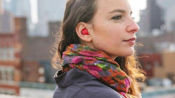 Conheça o fone de ouvido que é capaz de traduzir 15 idiomas praticamente ao vivo