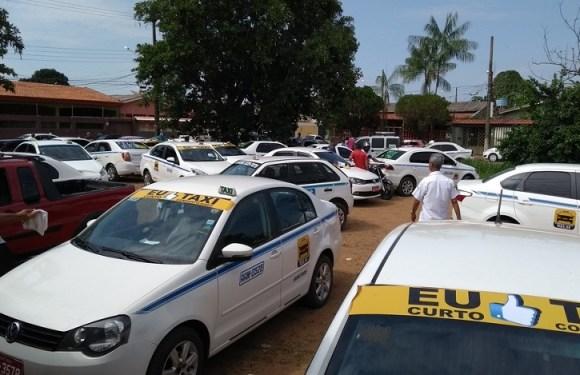 Taxistas de Porto Velho protestam e dizem que vão aderir ao serviço de corrida compartilhada