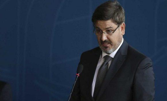 Senador Randolfe pede que Justiça afaste diretor da PF, Fernando Segóvia