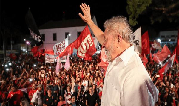 Lula, mesmo condenado, ainda lidera pesquisas com 37%, Bolsonaro 16%, Alckmin 7%, aponta Datafolha