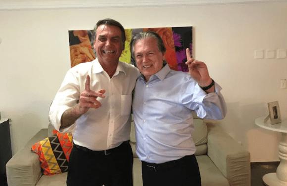 """Bolsonaro """"compra PSL"""" e define seu vice, diz blog"""
