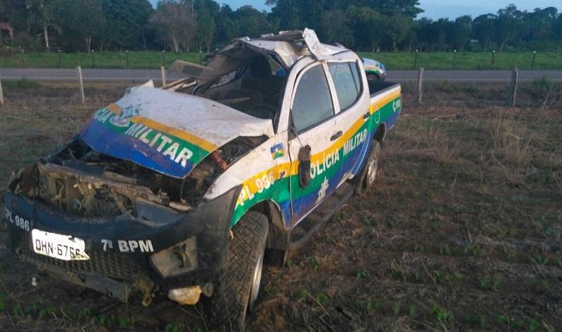 Policial militar morre após viatura capotar na BR-421, em RO