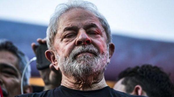 Fachin nega pedido de Lula para evitar prisão e submete decisão final ao plenário