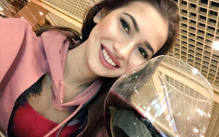 Olivia Nova, atriz pornô de 20 anos, morre em Las Vegas; é a terceira em menos de 30 dias