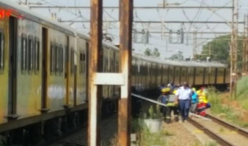 Colisão de trens deixa mais de 200 feridos na África do Sul