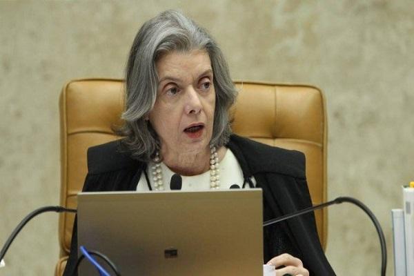 AGU envia ao STF petição para que indulto vá a plenário com prioridade