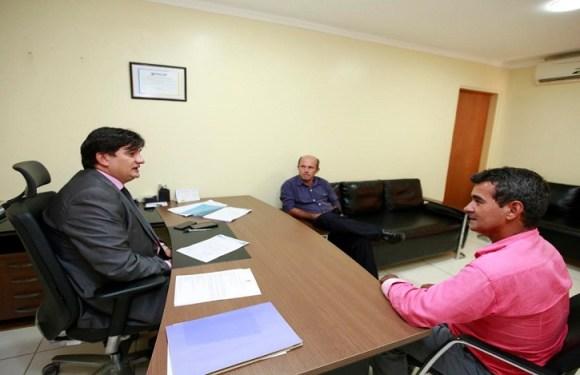Cleiton Roque recebe vereadores de Campo Novo