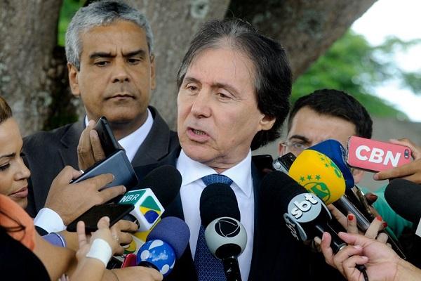 Nenhuma PEC será discutida ou votada durante intervenção federal, afirma Eunício
