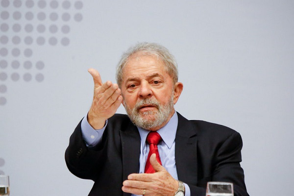 Lula critica, em carta, PEC do teto de gastos assinada por Temer