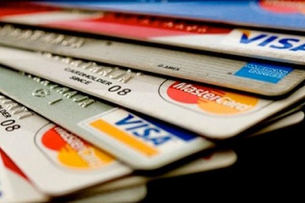 Juíza determina bloqueio de CNH, passaporte e cartões de inadimplente