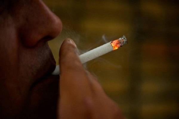 Aprovada na CCJ multa para quem fumar no interior de veículos com crianças