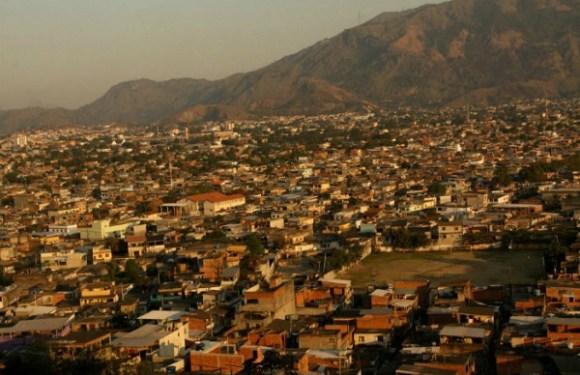 Avança projeto que destina recursos para regularizar favelas e áreas de invasão
