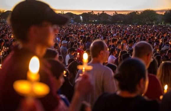 Sobreviventes de massacre lideram campanha antiarmas nos EUA