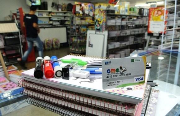 Beneficiários do Bolsa Família poderão ter cartão para material escolar