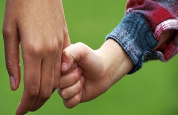 Mulher deve indenizar ex-marido por enganá-lo sobre paternidade de filho