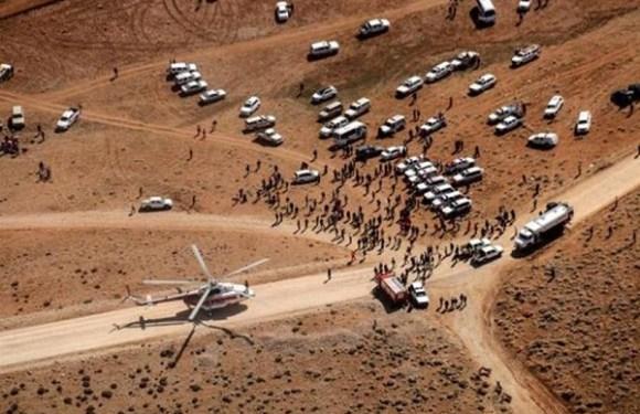 Corpos de 30 passageiros do avião que caiu no Irã são resgatados