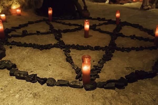 Testemunhas mentiram sobre caso de esquartejamento de crianças em ritual satânico