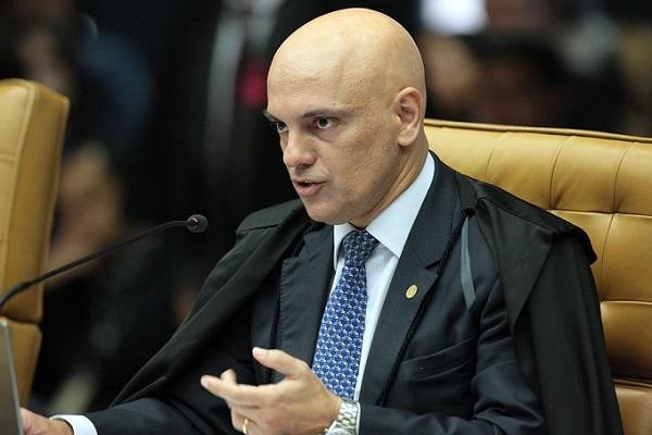 Moraes suspende lei de SP que exige presença de farmacêutico no transporte de medicamentos
