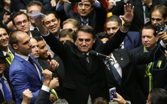 Mesmo condenado, Lula mantém liderança em pesquisa eleitoral; Bolsonaro cresce