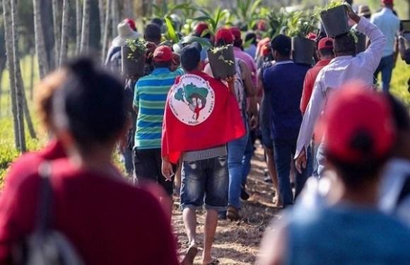Bancada ruralista quer acelerar projeto que criminaliza ocupações de terras