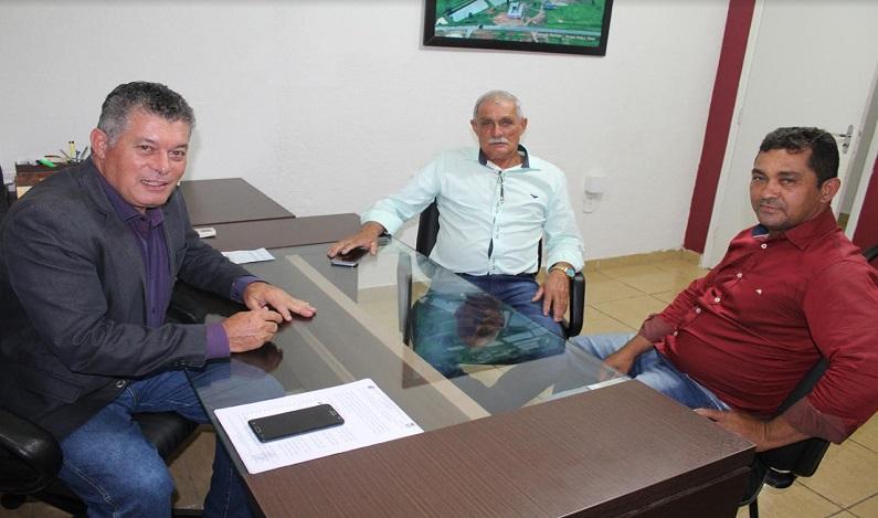 Deputado Edson Martins recebe novo prefeito de Nova União e reafirma compromisso com o município