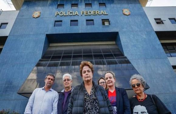 Dilma tenta visitar Lula e é barrada na entrada da PF, em Curitiba