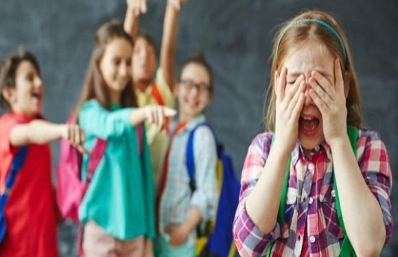 Justiça manda indenizar em R$ 8 mil aluna que sofria bullying