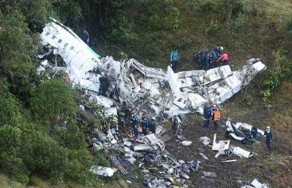 Relatório final afirma que voo da Chapecoense teve indicação de emergência 40 minutos antes de cair