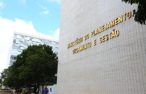Liberar FGTS para quem pede demissão teria impacto de R$ 25 bilhões