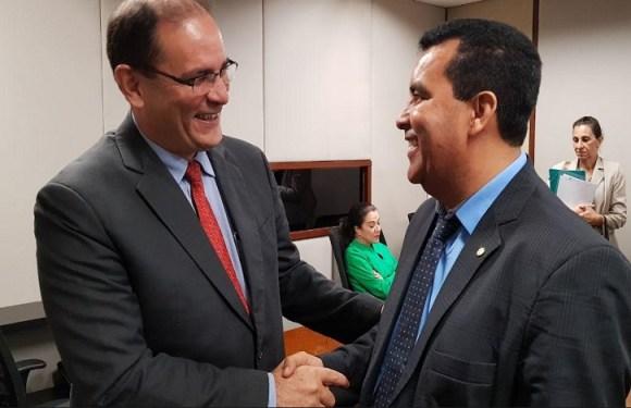 Lindomar Garçon comemora empenho de mais de R$ 1 milhão para transporte escolar do Santa Marcelina