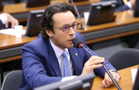 Deputado investigado por corrupção é indicado a Comissão de Orçamento