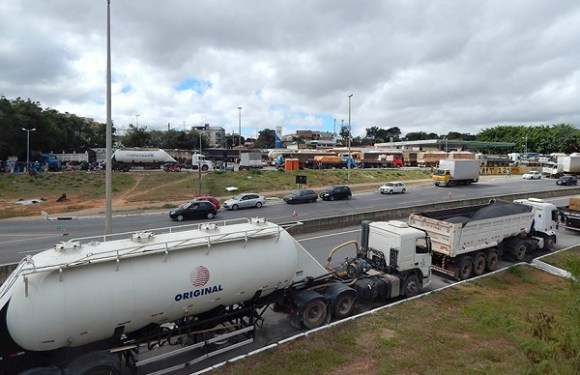 Congresso recebe medidas provisórias do acordo do governo com caminhoneiros