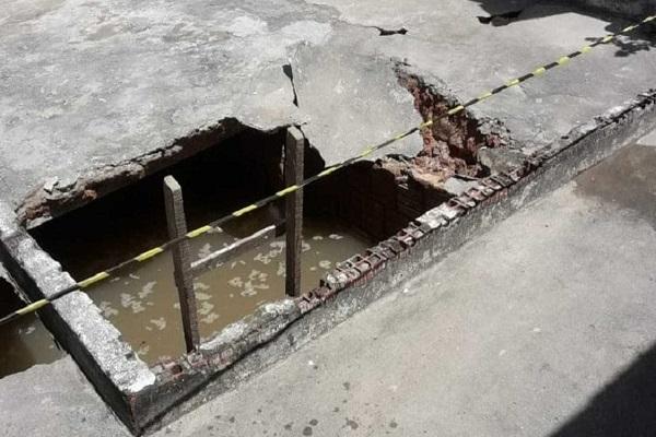 Chão cede e criança morre ao cair em fossa dentro de escola no CE