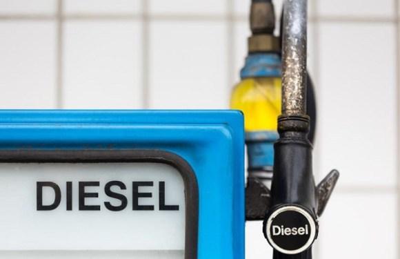 Preço do diesel tem 4ª queda seguida, mas não chega ao consumidor
