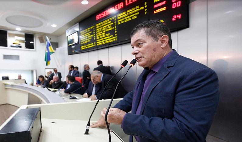 Deputado Edson Martins pede informações sobre possível compra de terreno pelo Detran
