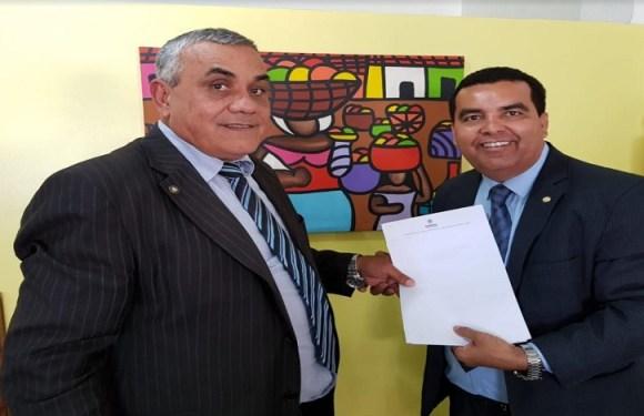 Lindomar Garçon trabalha pela regularização fundiária dos bairros São Francisco e Mariana