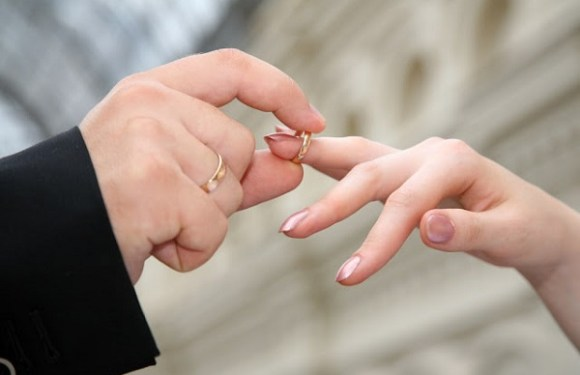 Homem que rompeu noivado e manteve contrato de festa para se casar com outra é condenado a indenizar ex-noiva