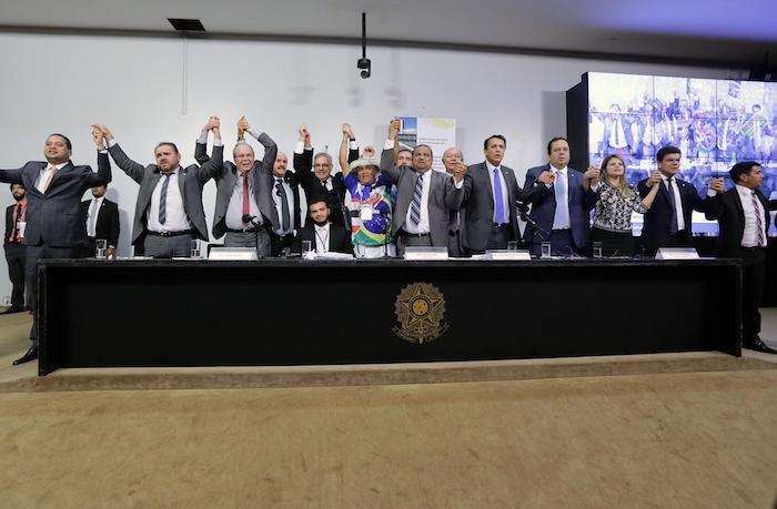 Comissão especial aprova novas regras para criação de municípios