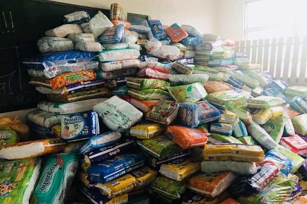 Fraldas e material escolar são achados em prédio desativado desde 2012 em SP