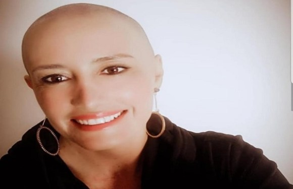 'Sua imagem é agressiva', diz diretora de escola particular no DF a mãe com câncer