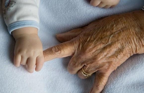 Avós conseguem guarda de neto internado na UTI para incluí-lo em plano de saúde