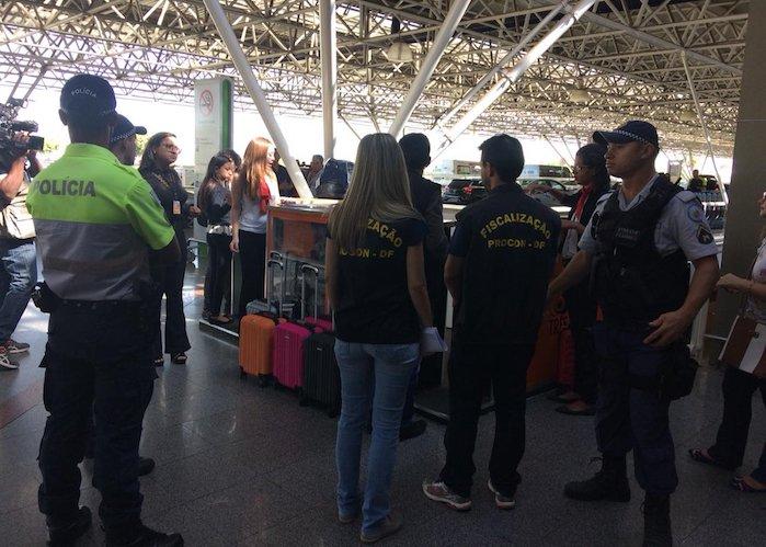Quiosque que vendia malas em troca de assinaturas de revistas é fechado no aeroporto de Brasília