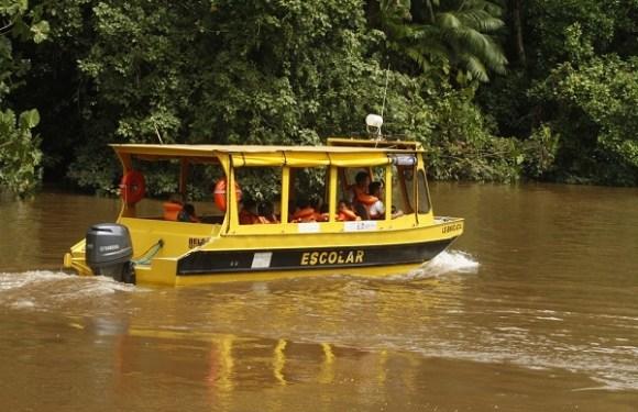 Falta de pagamento deixa mil alunos sem transporte escolar fluvial em Porto Velho