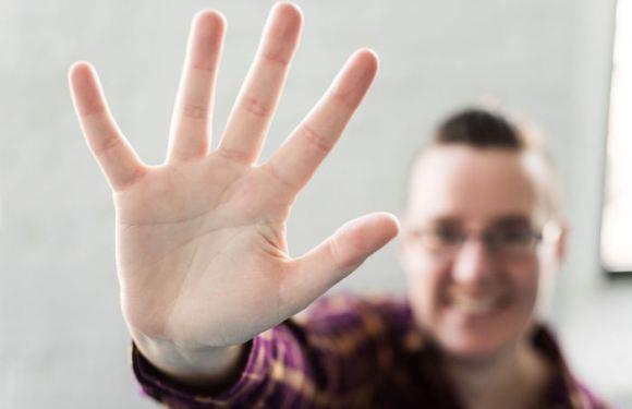 Cientistas assinalam, de novo, que o comprimento do anelar e do indicador poderia revelar a orientação sexual