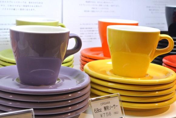 トランクコーヒーではORIGAMIのエスプレッソカップとソーサーを取り扱う