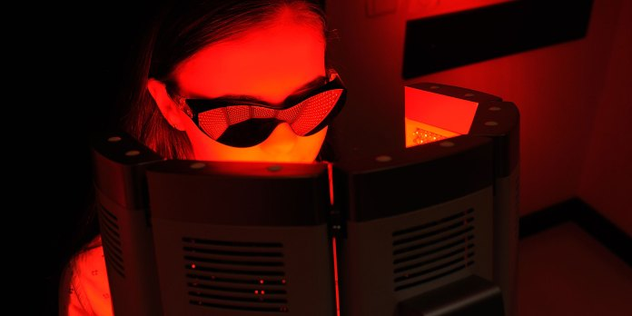The Pros and Cons of Red Light Therapy