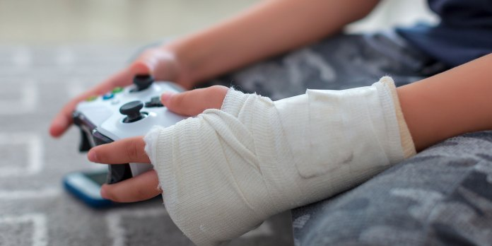 hospitals use video games to treat pain