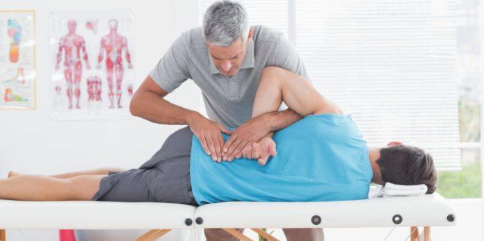 degenerative disc disease doctor treating patient